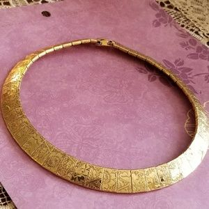 Vintage engraved floral collar necklace gold tone